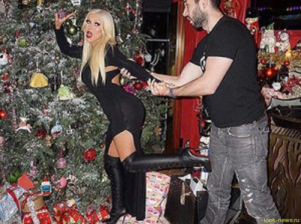Кристина Агилера опозорилась на рождественской вечеринке