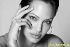 Анджелина Джоли стала похожа на скелет