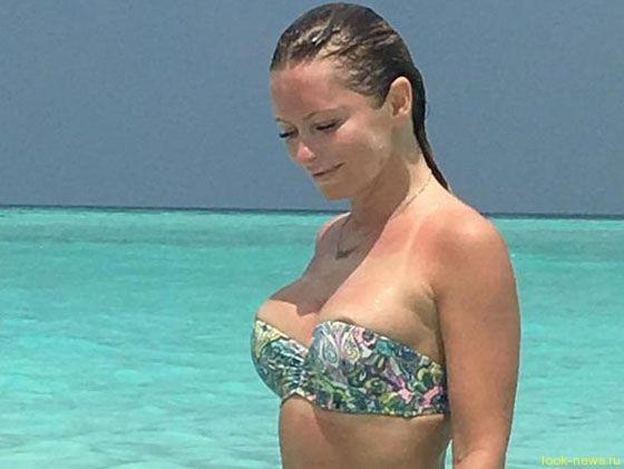 Дана Борисова удивила поклонников своими пикантными фото в купальнике