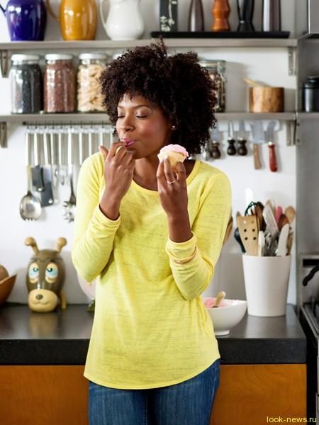 Ученые доказали, что торты не мешают худеть. Ура!