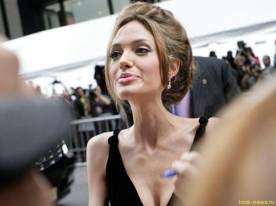 СМИ выяснили, чем на самом деле больна Анджелина Джоли