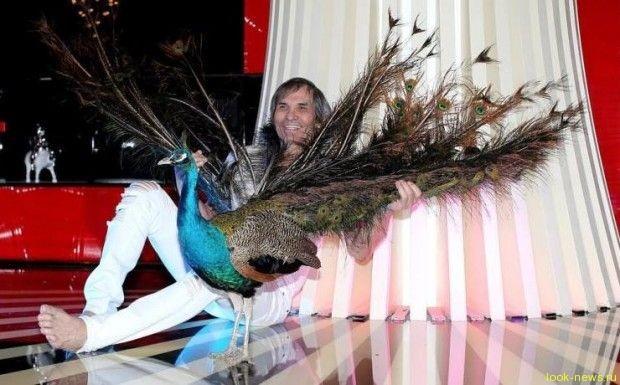 Бари Алибасов подарил Алле Пугачевой павлина