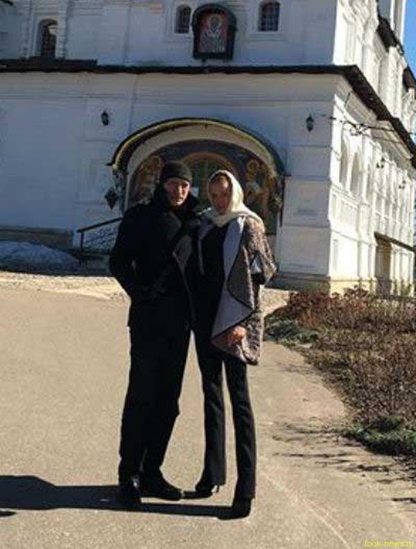 Служебный роман: Волочкова встречается с партнером по спектаклю