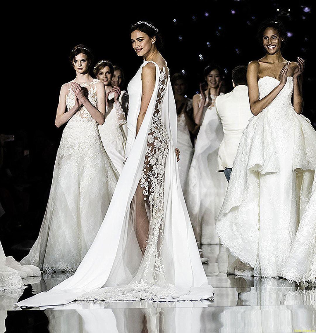 Для Ирины Шейк сшили свадебное платье с «сюрпризом»