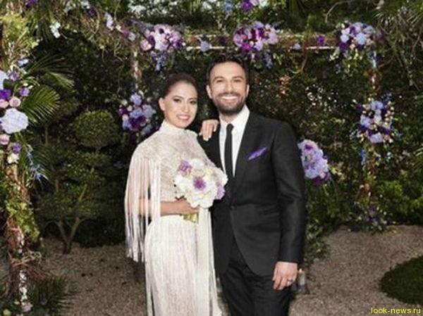 Турецкий певец Таркан женился на молодой поклоннице