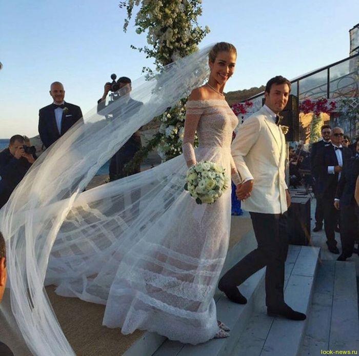 Модель Victoria's Secret вышла замуж за египетского миллиардера