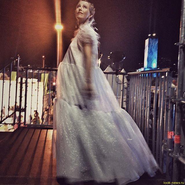 Ксения Собчак в день рождения мужа впервые показала округлившийся живот