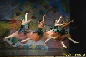 15-летняя пышнотелая балерина покоряет мир танцев своей грацией и пластикой