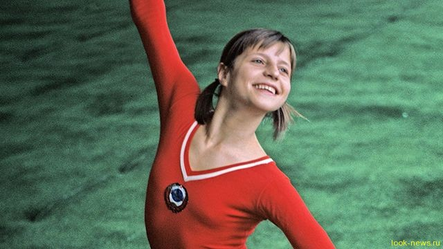 Бывший муж гимнастки Корбут объяснил, зачем она продала свои медали: Они же просто валялись!