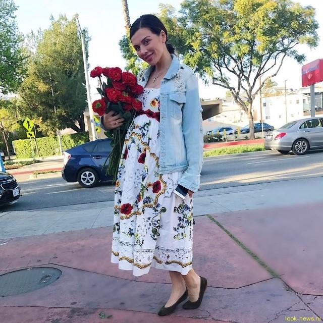 Беременная Анна Седокова показала изменившуюся фигуру в нижнем белье