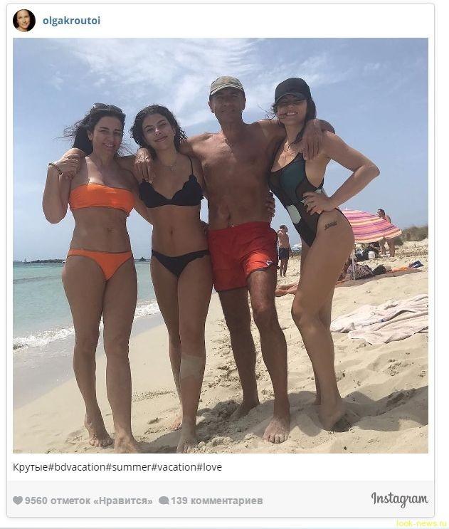 51-летняя супруга Игоря Крутого в бикини выглядит ровесницей дочек