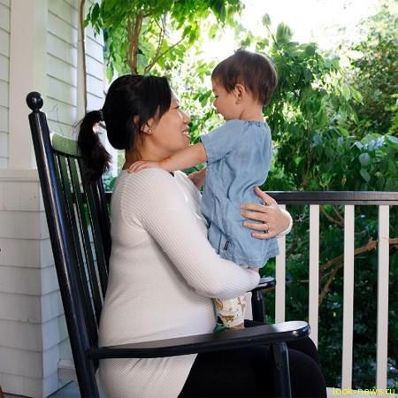 Марк Цукерберг опубликовал трогательное фото с новорожденной дочерью