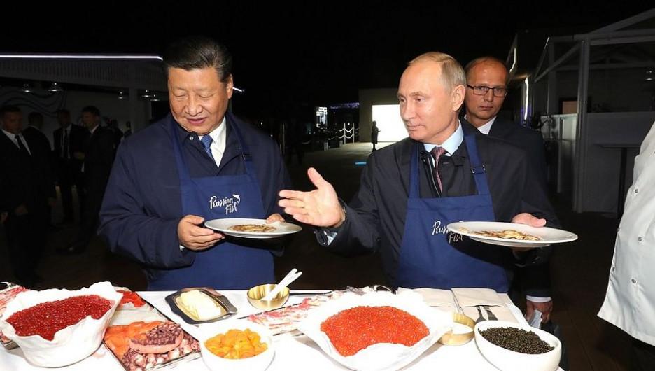 Китайские банки массово закрывают счета компаний из РФ