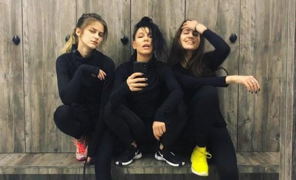 Ёлка впервые показала своих взрослых дочерей